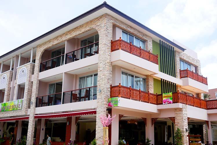 Giornale degli amici di phuket thailandia settembre 2011 for Dormire a phuket